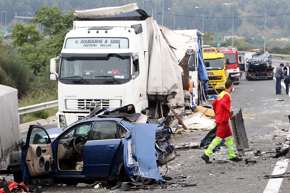 can-i-sue-a-trucking-company-involved-in-a-truck-accident